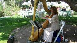 Carolyn Sykes performing in Huntington Gardens